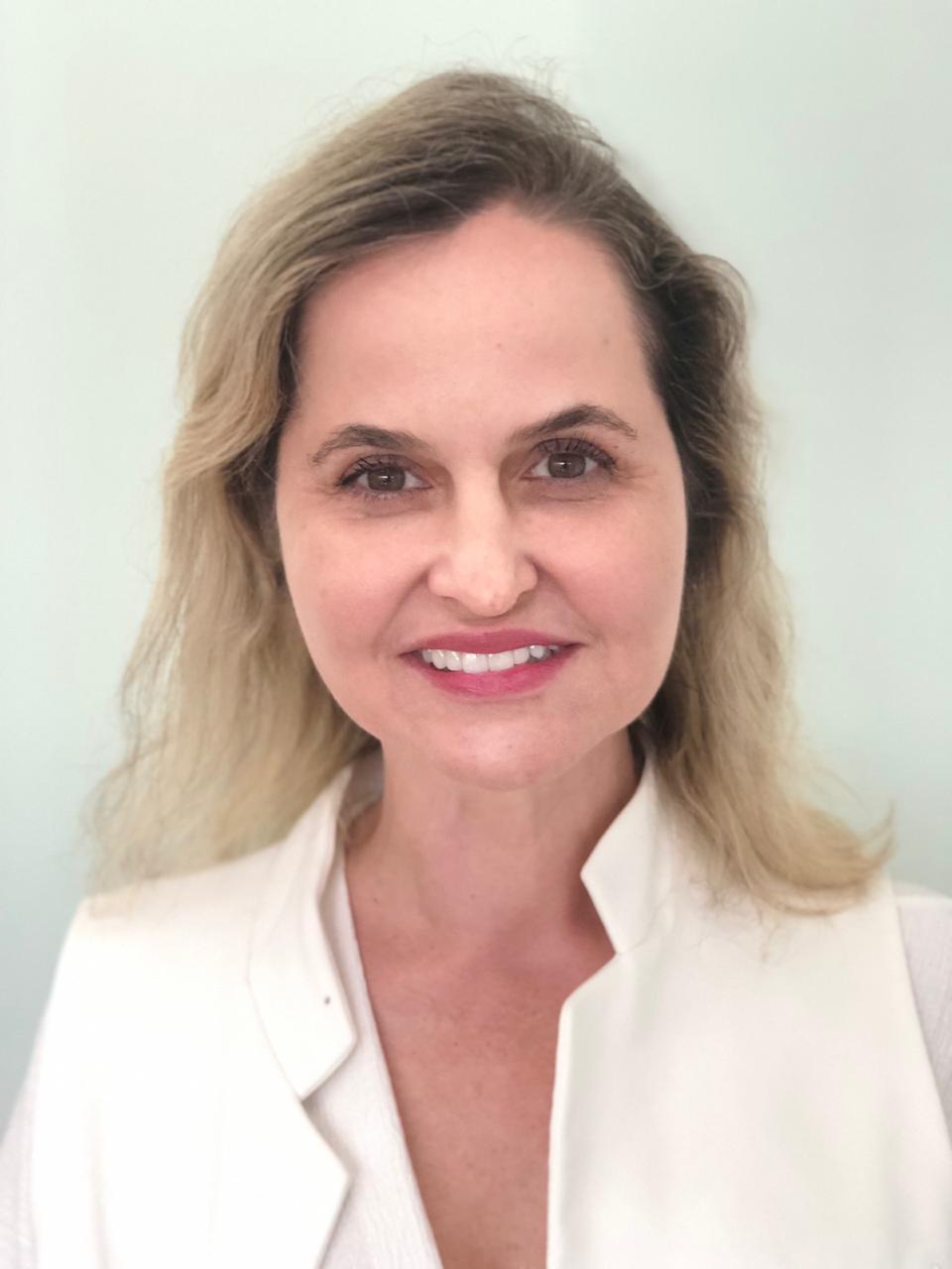 Dra. Lenita Costa