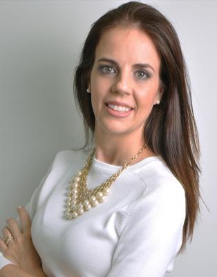 DRA. RENATA ROXO